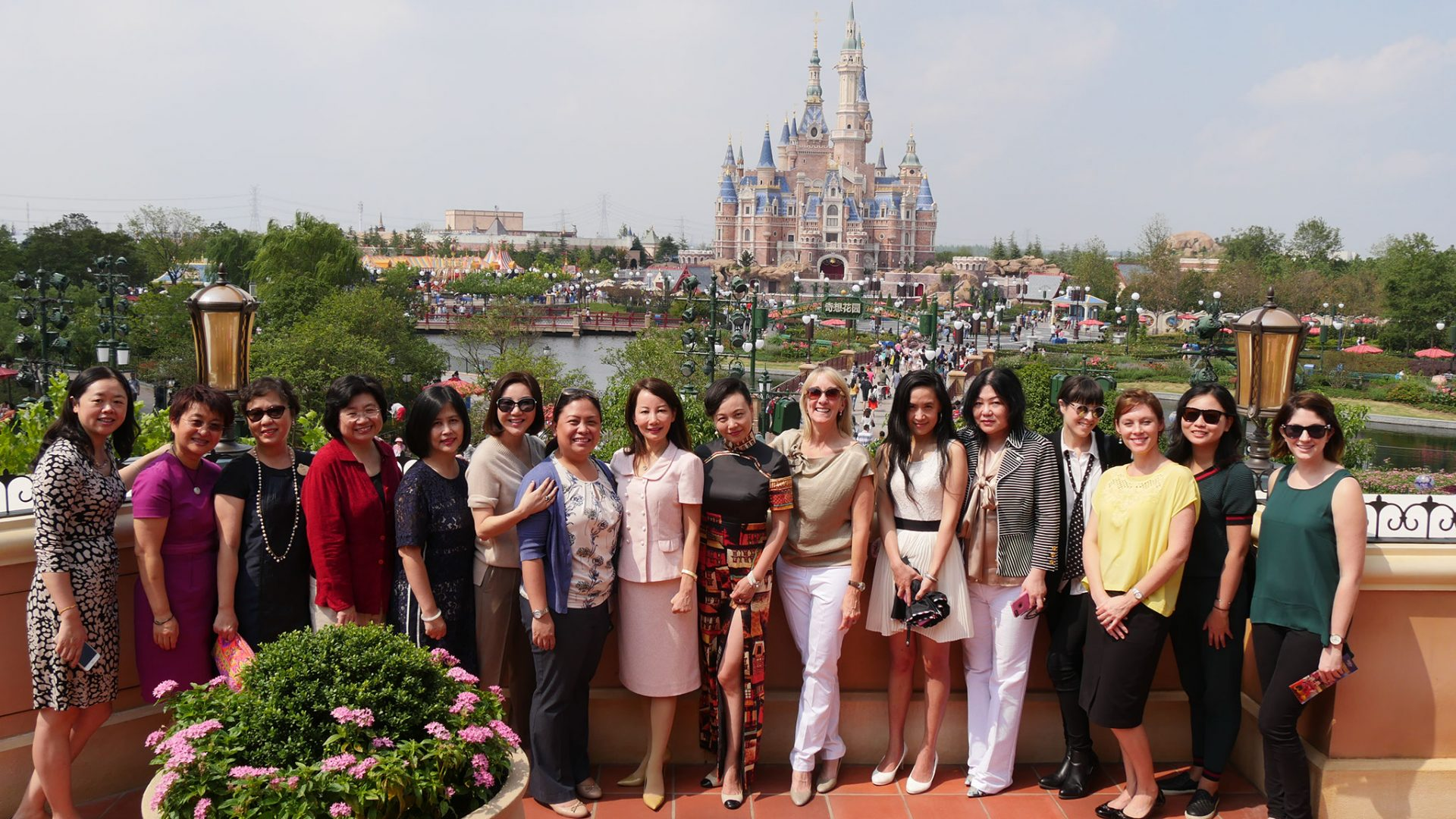 From left to right: Linda Liang, CSOFT, Yan Wang, Shanghai Disney Resort, Jean Zou, Shanghai Disney Resort, Catty Ren, Google Adwords, Vicky Gong, Shanghai Disney Resort, Shunee Yee, CSOFT, Lara Tiam, Shanghai Disney Resort, Jane Sun, Ctrip, Marisa Drew, Credit Suisse Junling Cui, Amcham Shanghai, Yi-Li van den Berg, Corning, Katherine Lewis, Debrett's, Marisa Bowers, CSOFT, Jin Gao, GAP
